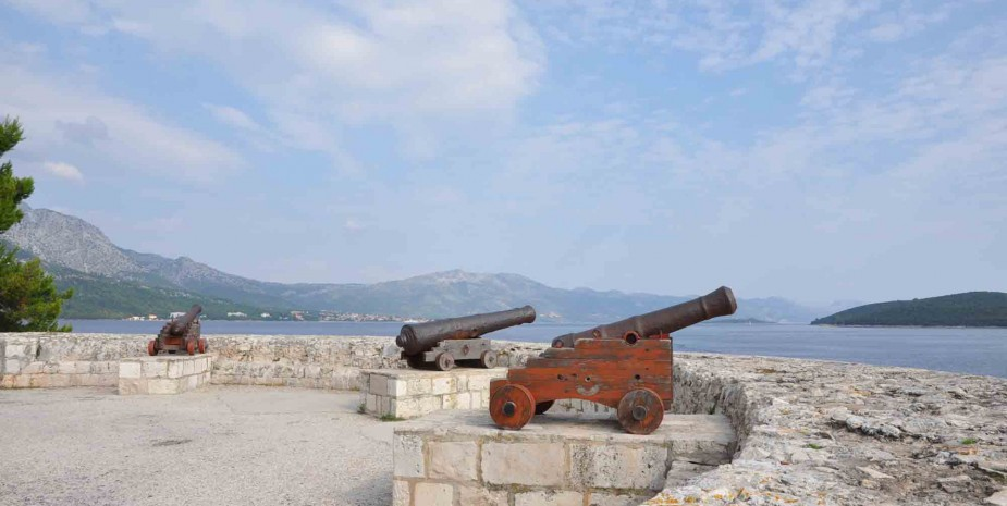 Cannonballs in Korčula